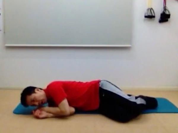 腰痛予防 起き上がり方 良い例3
